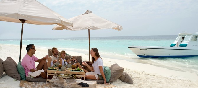 Picnic on a Sandbank and Stargazing the Maldives skies