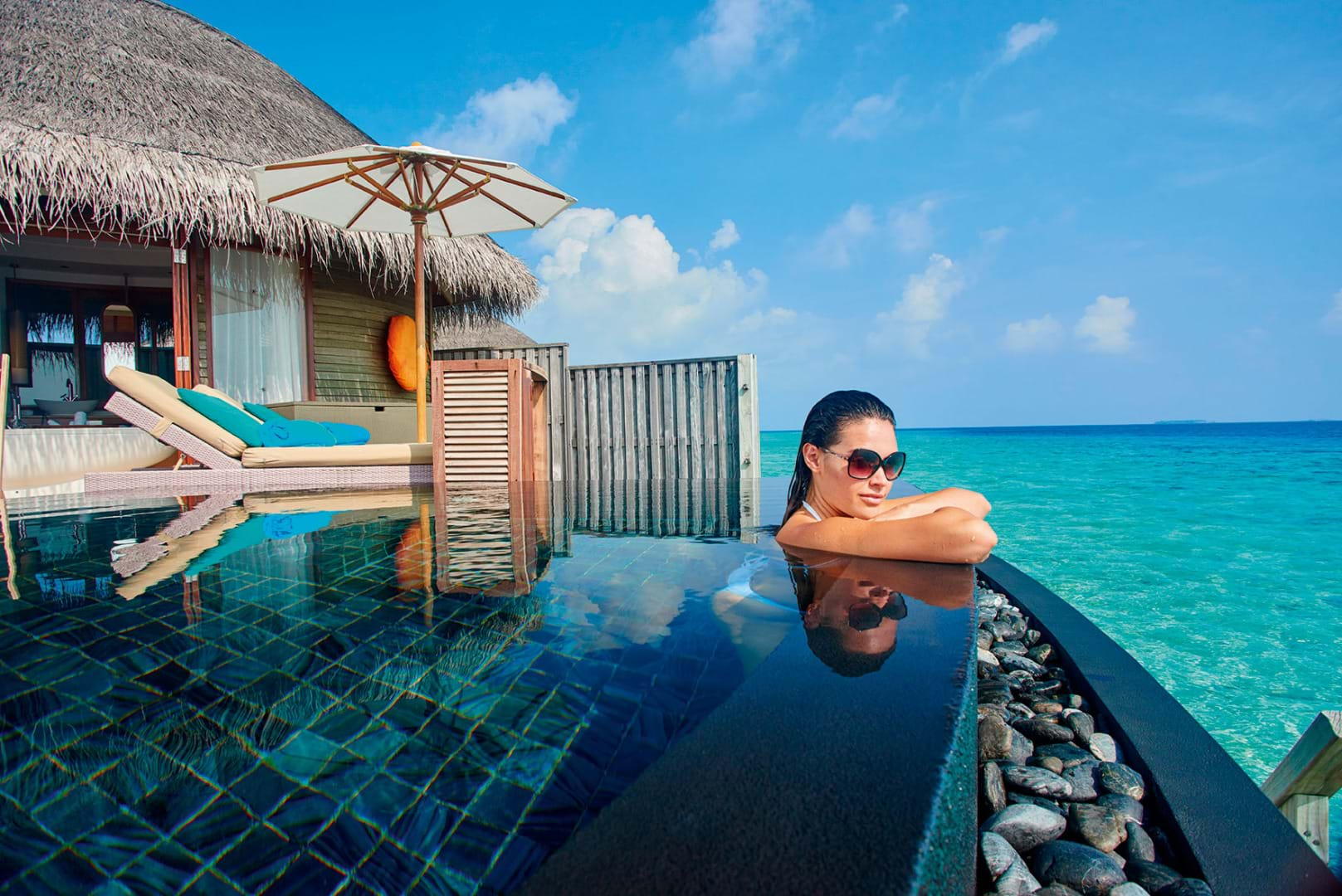 halaveli-maldives-2016-water-villa-lifestyle-05