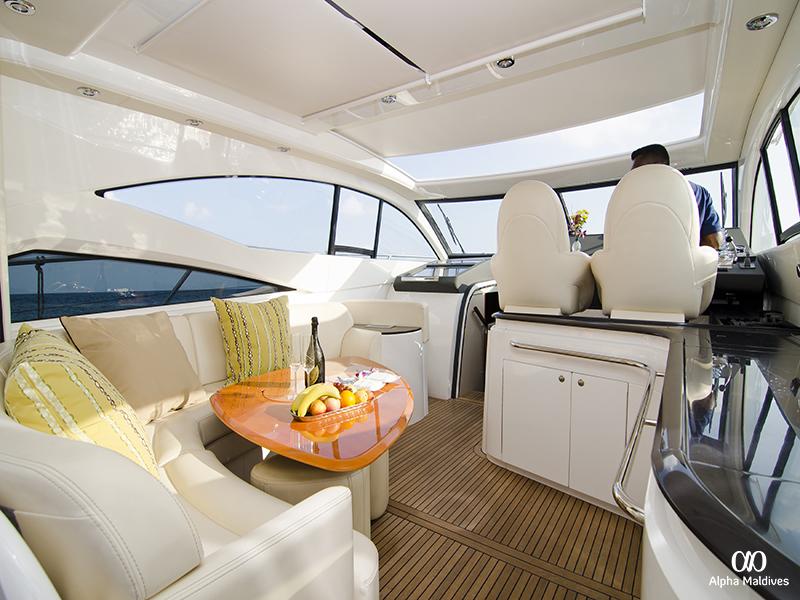 Jumeirah Vittaveli - Windy _Jumeirah Yacht_